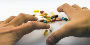 adiccion medicamentos 300x150 - Adicción y fármacos