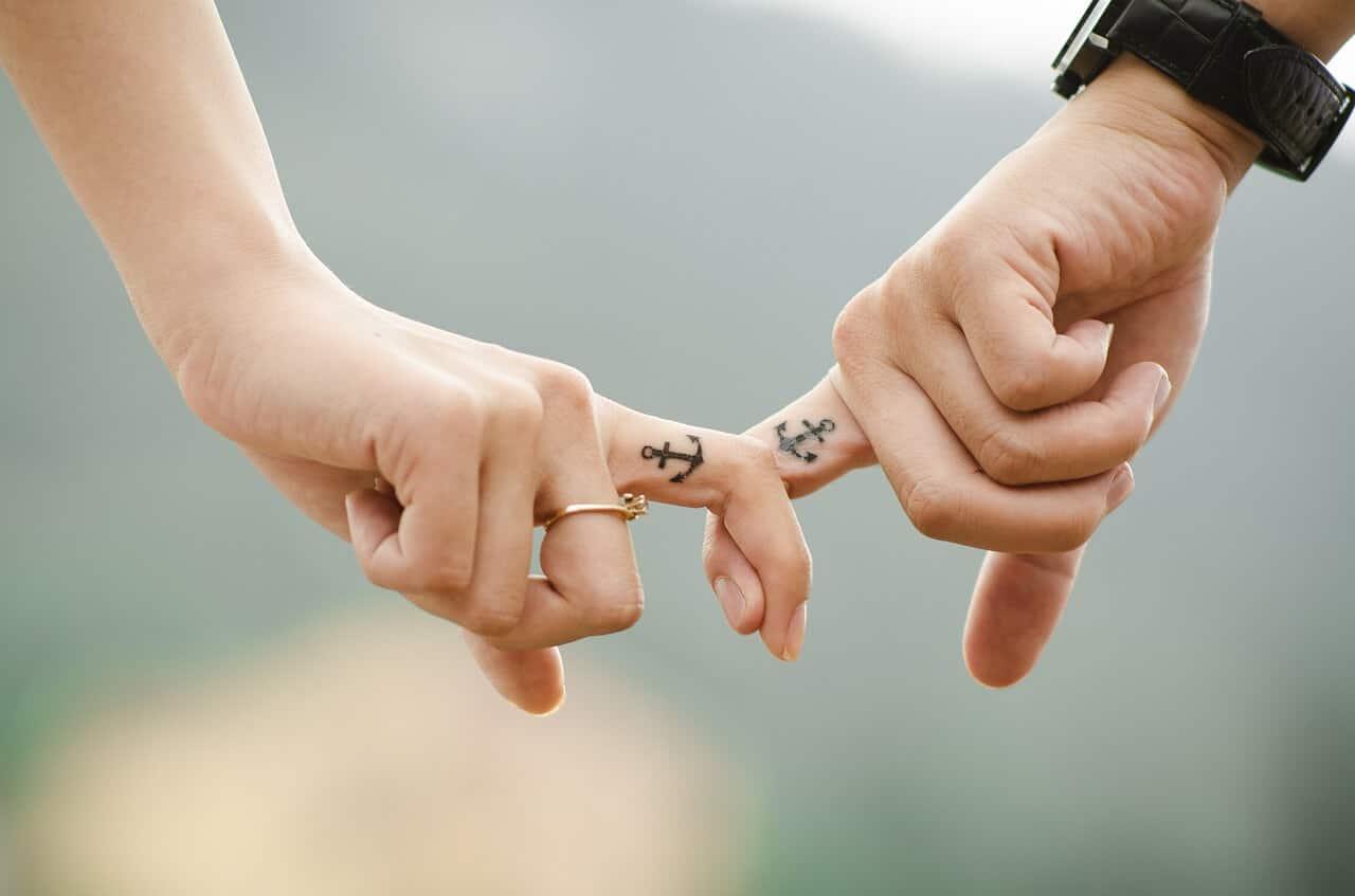 ¿Qué es la dependencia emocional y cómo se manifiesta en las relaciones de pareja?