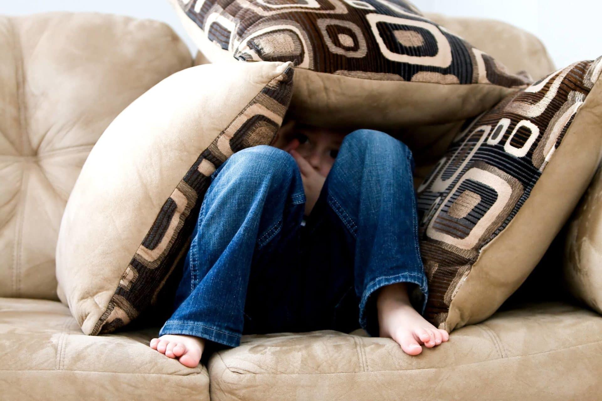 """bare feet boy child 262103 - """"El origen de cualquier forma de dependencia es el miedo"""""""